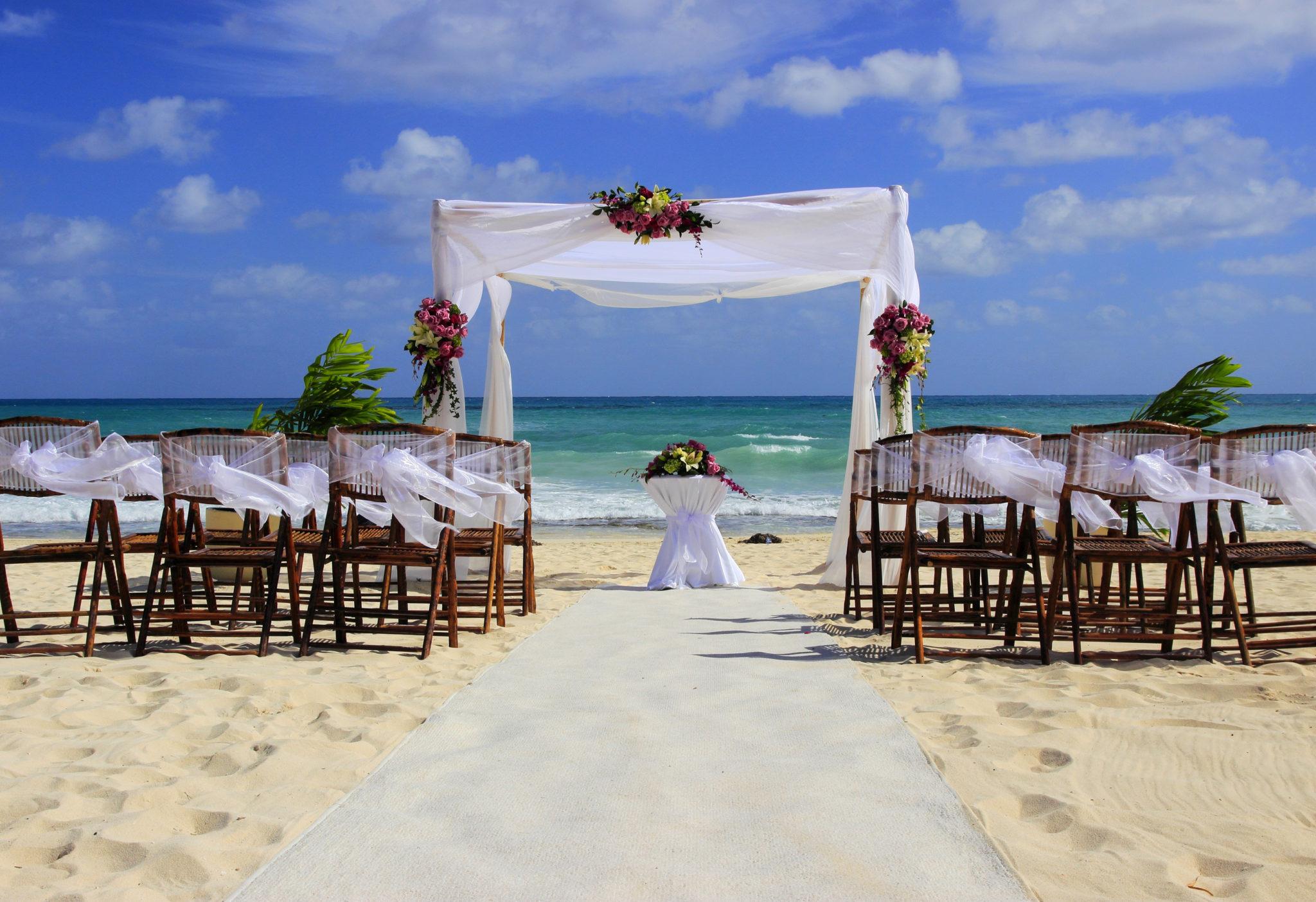 Svatební obřad na pláži
