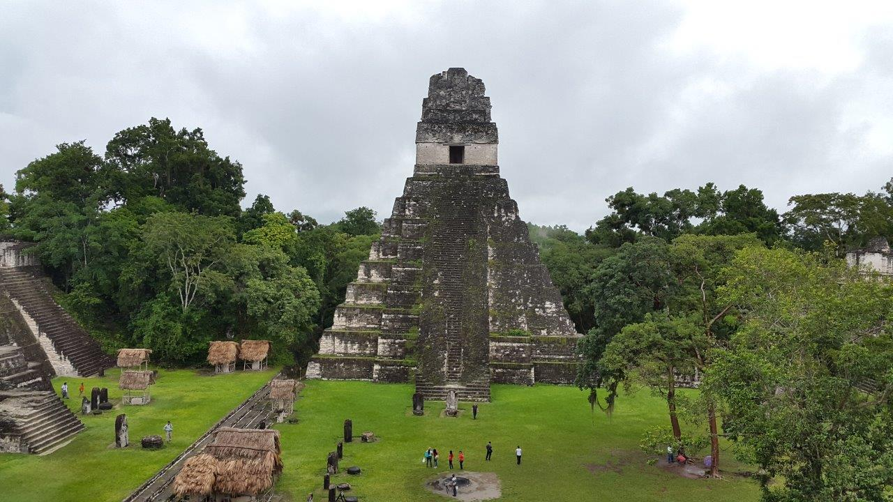 Majestátní pyramidy